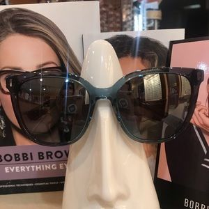 Bobbi Brown Accessories - 🆕BOBBI BROWN sunglasses with case NWT